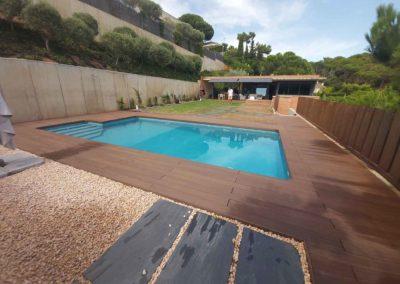 Tarima exterior tecnológica en piscina